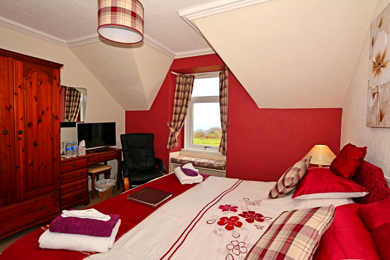 Viewbnak Bed & Breakfast Guest House near Whiting Bay golf course with sea views